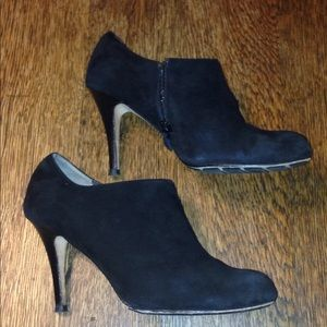Cole Haan size 9B suede booties ankle boots